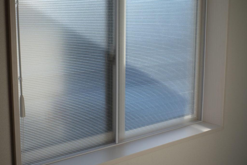 窓 断熱対策 結露対策 二重窓 ポリカーボネート板 DIY