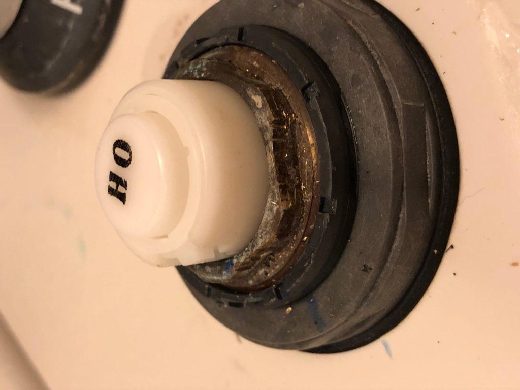 ワンタッチ水栓 流量調整バルブ 固定ナット 取付後