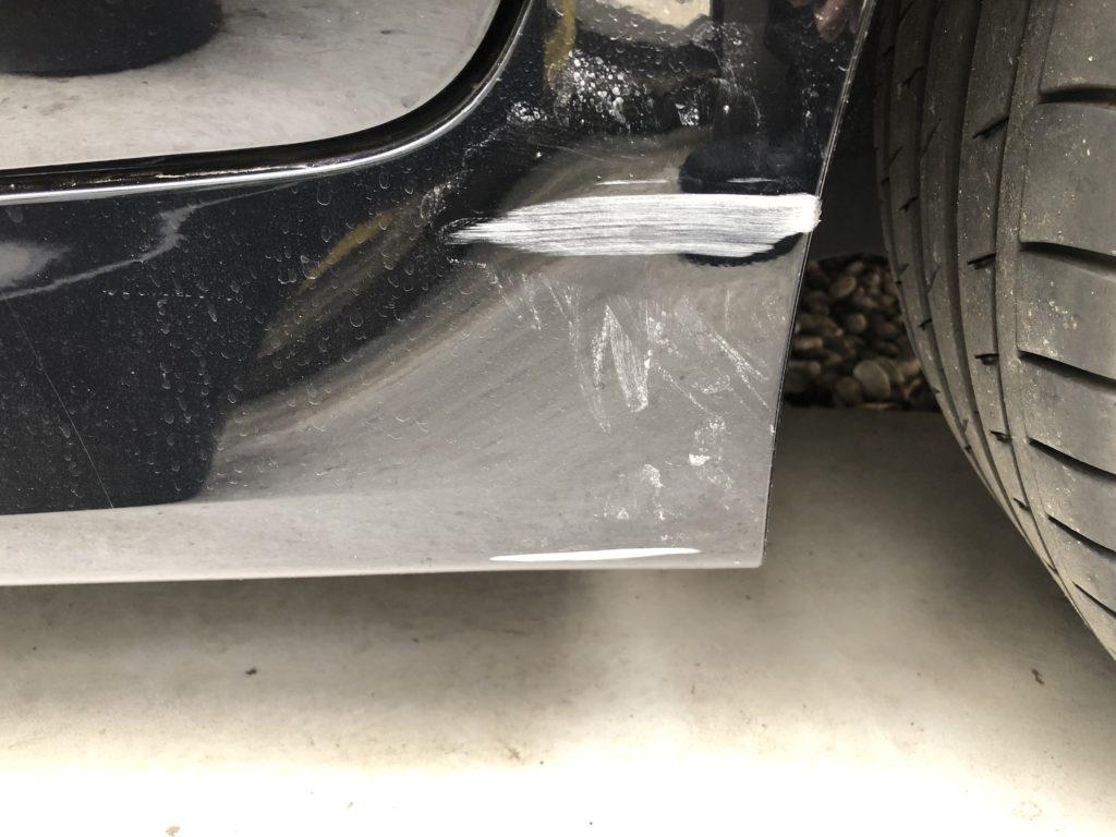 BMW523d サイドバンパー 修理 補修 DIY キズの状態の確認